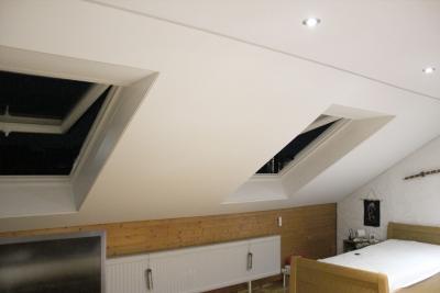 Spanndeckenstudio Teller - Referenzen - Dachschräge 001