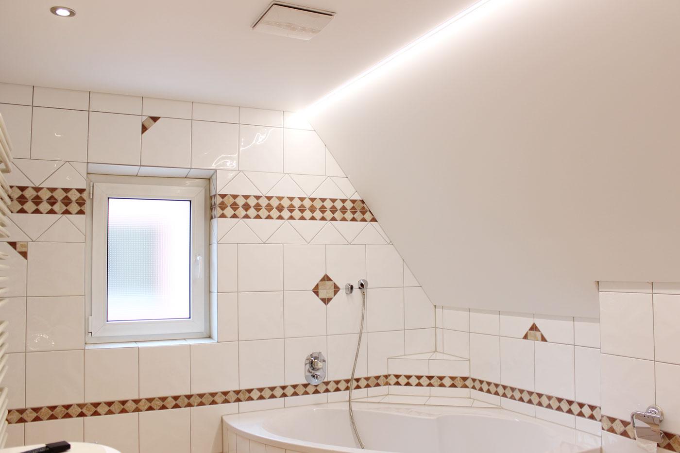 Spanndeckenstudio Teller - Referenzen - Dachschräge 002
