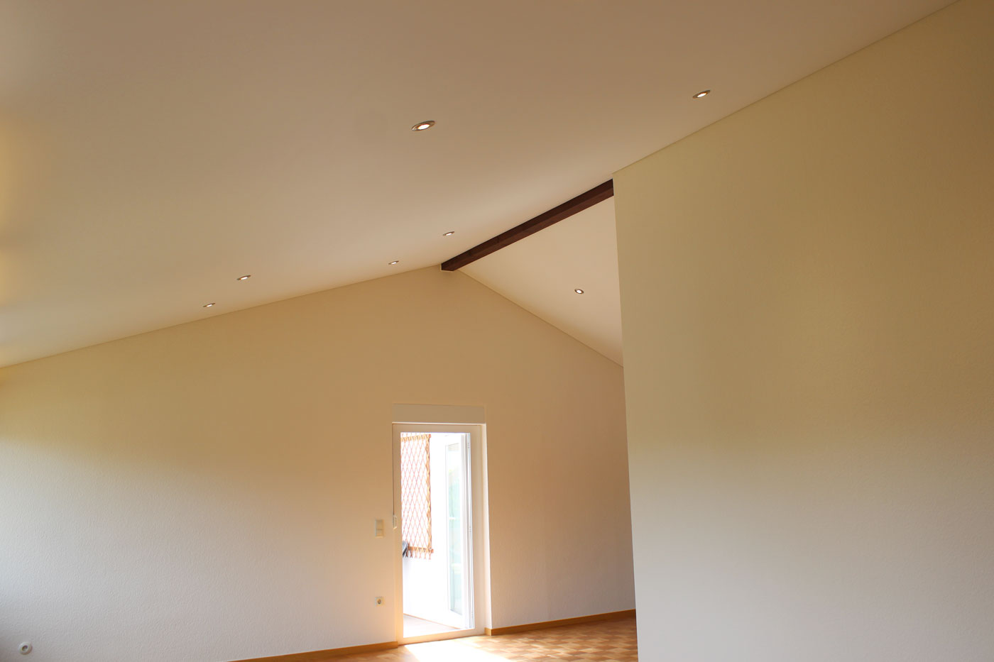 Spanndeckenstudio Teller - Referenzen - Dachschräge 003
