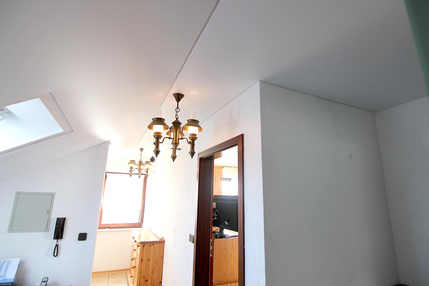 Spanndeckenstudio Teller - Dachschräge - Talheim