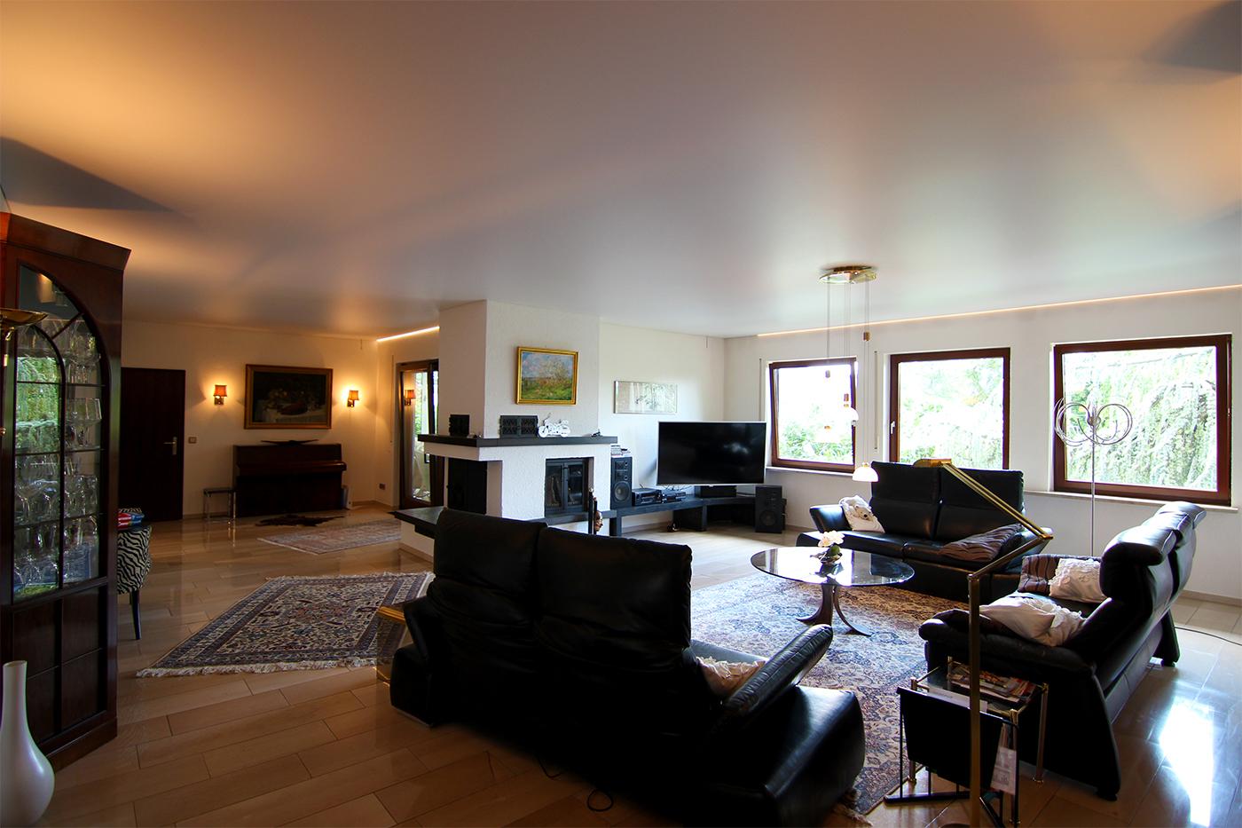 Spanndecke im Wohnzimmer, weiß matt